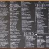 La lavagna dei formaggi diCheese Board Collective, una selezione di 500 tipi da tutto il mondo, nel Gourmet Ghetto di Berkeley. «Accanto», ci racconta la scrittrice Camilla Baresani,«c'èla Cheese Board Bakery con code interminabili per avere accesso alla pizza del giorno sfornata a ripetizione, mentre un'orchestrina di smooth jazz allieta il consumo fatto perlopiù seduti sul marciapiede, con i cartoni appoggiati sulle ginocchia»