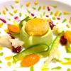Claudio Vicina,Casa Vicina a Eataly, Torino  Kabuki 2013 – Dal 2013 a oggi è un piatto che ha subito molte variazioni. E' un secondo completo a livello nutrizionale e calorico, con carboidrati, proteine e grassi ben bilanciati tra loro. Nasce come antipasto in tempi antichi (tartrà). Si raffina poi come sformato e oggi, nel nostro ristorante, diventa un secondo vegetariano completo. Si chiama Kabuki per la sua esplosione di colori, delle verdure (che sono 4 o 5) e di gusto. Noi lo serviamo così: sformato di zucchine e Grana Padano 24 mesi, al centro del piatto. Verdure a vapore croccanti intorno e verdure frullate spruzzate ai bordi. Per ultimo, sopra lo sformato, adagiamo con cura il tuorlo d'uovo impanato nelle briciole di brioche, dorato all'extravergine d'oliva