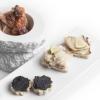 Altri antipasti della Maresi:Crostino di storione affumicato,Crostino di patè di fegato di storione,Storione in saor