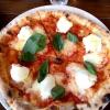 Una interpetazione di pizza Margherita da parte di Tony Nicolini, con mozzarella di bufala prodotta in Australia
