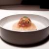 La nostra cena a La Peca, negli scatti di Tanio Liotta.S'inizia con gli appetizer, eleganti, come questo Gazpacho ghiacchiato