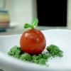 Pomodorino di pane raffermo, rucola, sale Maldon e terra di spinacio