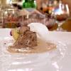 Bufala di capra e tartufo: la finta mozzarella è fatta di mousse di formaggio di capra