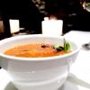 Mi-so sbagliato: zuppa di crostacei e miso rossa, asparago di mare, tofu e nocciola tonda gentile