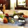 Alici marinate al plancton, crema di umeboshi, lische in tempura, yogurt greco e pomodoro confit