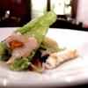 Il Mare in Insalata, piatto memorabile: pesci di mare (gallinella, scorfano), gamberi, calamari, ricci, erbe di campo e alghe in tempura