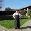Maurizio D'Andretta nei giardini del castello