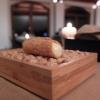 La nostra cena a I Fontanili negli scatti di Tanio Liotta. Si parte con gli appetizer, qui Cannoncino di polenta con crema di patate e Grana Padano