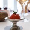 Pomodorino ricostruito (con salsa tonnata e gel di peperone)