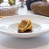 Delizioso il Raviolo di coda alla vaccinara con crema di melanzane e la sua salsa