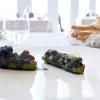 Zucchine matita, barracuda marinato e tenerume, con salsa di soia e crema di zabaione salato al nero di seppia