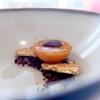Albicocca, caramello, mandorla salata e cappero disidratato