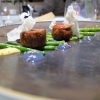 Filetto d'agnello del Casentino, senape di Digione, fagiolini verdi, gel e semi di lavanda: squisito