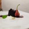 Lingua di Podolica, pera fermentata nell'aceto, yogurt acido, lemon grass, frutti rossi