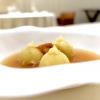 Raviolidi arachidi toscane, ricci di mare e ristretto di pollo ruspante