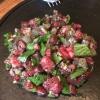 Tartara di manzo crudo, funghi shiitake (quasi un prezzemolo ormai ai quattro angoli del globo), garum (?) e foglie di senape