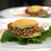 Finto hamburger di agnello Varvara, alici, salsa all'olio di oliva monocultivar coratina Muraglia e agrumi di Cristina Bowerman