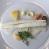 Sogliola agli agrumi con sedano rapa e salsa affumicata ai frutti di mare