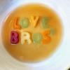 Ormai un classico: Love Bros alla frutta, con infusione di zenzero e cannella