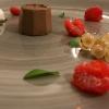 Inizia il tris di dolci, buoni anche se ripetitivi: Gelato al caffè con mousse al cioccolato fondente e aglio nero