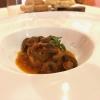 Lumache in umido piccante, schiacciata di patate, «una ricetta di mio padre, realizzata in tegame»