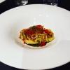 Spaghetti comfort: lamponi, burro, acciughe e fegatini di pollo