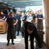 Il rituale di sempre: l'accoglienza dello staff al completo, Rene Redzepi in testa