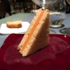 Sandwich de gazpacho con guarnición olorosa de vinagre de Jerez:qui il falso pane ghiacciato (sono meringhe di pomodoro secco) racchiude una farcitura in cui emergono le note acide e aromatiche dell'aceto di Jerez a esaltare il classico aroma del gazpacho andaluso