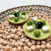 Excellent Tartaleta de anguila, a green chickpea tart with eel and Merlot spherification