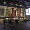 L'ingresso di Eataly Smeraldo a Milano, vestito a festa per il decennale. Il primo Eataly aprì al Lingotto di Torino il 27 gennaio 2007. Milano inaugurò nel marzo 2014