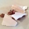 Legumi golosi, ossia lenticchie, ceci, fagioli allegri, fagioli cannellini e fagioli borlotti cotti in un'acqua al cioccolato e abbinati a una meringa che non usa come addensante l'albume d'uovo, ma l'acqua dei fagioli stessi