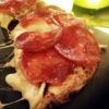 """La pizza """"da compartir"""" diMadrea Roma (leggi qui), in particolare l'Affumicatacon provola affumicata, patate e chorizo"""