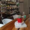 """Particolare diMagazzino 52,via Giolitti 52a a Torino. E' il ristorante preferito di Luca Iaccarino, critico di cose buone e scrittore. L'ultima sua fatica editoriale è""""Qualcuno sta uccidendo i più grandi cuochi di Torino"""", editore Edt, 7,57euro se acquistato online(fotowww.magazzino52.it)"""