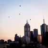 Volo di mongolfiere su Melbourne all'alba di mercoledì 5 aprile 2017