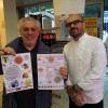 Lo chef Francesco Costanzo con il volontario del Comune di Milano al mercato Fusina