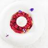 Chi scrive è rimasto letteralmente folgorato da questo dolce, già nella sua versione precedente (con abbondante grattachecca di frutti rossi, spuma di mou al balsamico e crumble)presentata da Apreda a Identità Expo. Indimenticabile, basta quello per qualificare un grande chef e il suo brillante pastry chef, Dario Nuti. Cliccarequi per la ricetta, foto Brambilla-Serrani