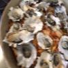 La foto, di Paolo Marchi, è mossa e andrebbe scartata ma è la sola che fissa, prima di essere servito agli ospiti, un eccellente piatto a pranzo a casa Boutard: Mais Amish Butter con ostriche, rockfish e granchi