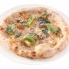 La Mastunicola, pizza del Seicento rivitalizzata da Franco Pepe di Caiazzo (Caserta).Progenitrice della margherita, senza pomodoro, la sua ricetta antichissima dice: lardo di maiale Nero Casertano, pepe, basilico e pecorino Conciato Romano