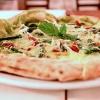 LaPizz'a SelvadelForo dei Baronia Puglianello (Benevento) con asparagi, fiordilatte, lonzardo, provolone del Monaco e menta. Non solo la cucina diRaffaele D'Addioma anche un'ottima pizza!