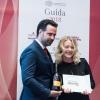 La migliore sommelier.Carlo Boschi, responsabile Veuve Clicquot Italia premiaRamona Ragaini diAndreina - Loreto (Ancona)