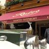 """Rolls Royce e doorman, combo classico londinese all'uscio del ristorante Rules, aperto nel 1798. """"Londra è sempre una delle capitali mondiali della ristorazione"""", ci racconta il cronistaTokyo Cervigni, ivi residente da tempo"""