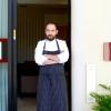 Lo chef Stefano Sforza all'entrata del ristorante. Le foto sono di Tanio Liotta