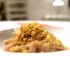 Stroncatura, cipolla di Tropealeggermente affumicata, foglie di limone, alici di Sciacca e pane croccante