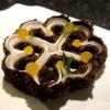 Chocolate y coco. Cioccolato e crema di frutto della passione con gelato alle nocciole (foto @ticketsbar instagram)