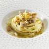 2009 – SUPER - Superspaghettino con brodo affumicato, julienne di calamaro, vongole, polvere di tarallo e limone