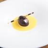 2010 – UNIVERSO – Mousse al cioccolato con cuore di liquirizia, salsa allo zafferano e aceto balsamico