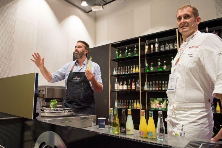 Salvatore Salvo, terza generazione assieme al fratello Francesco della Pizzeria Salvo di San Giorgio a Cremano, e Alexander Frezza, barman-patron de L'Antiquario di Napoli