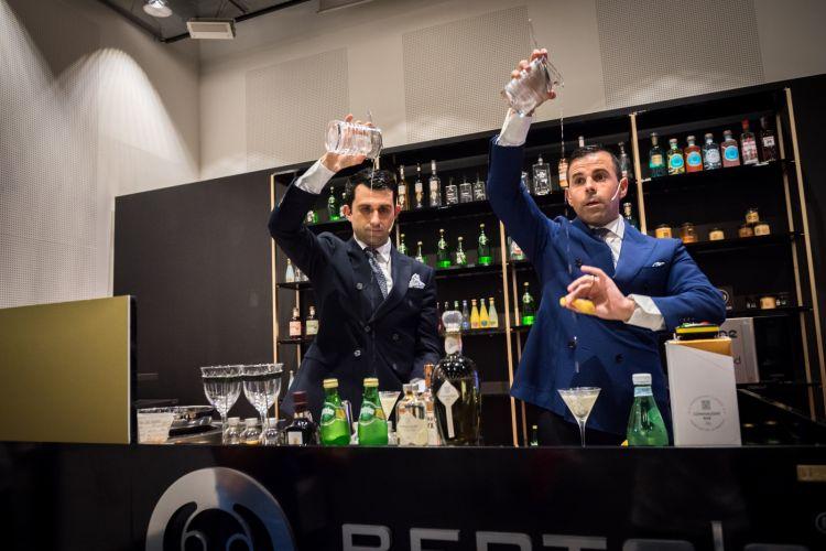 Agostino Perrone e Giorgio Bargiani, barmen del Connaught Bar di Londra
