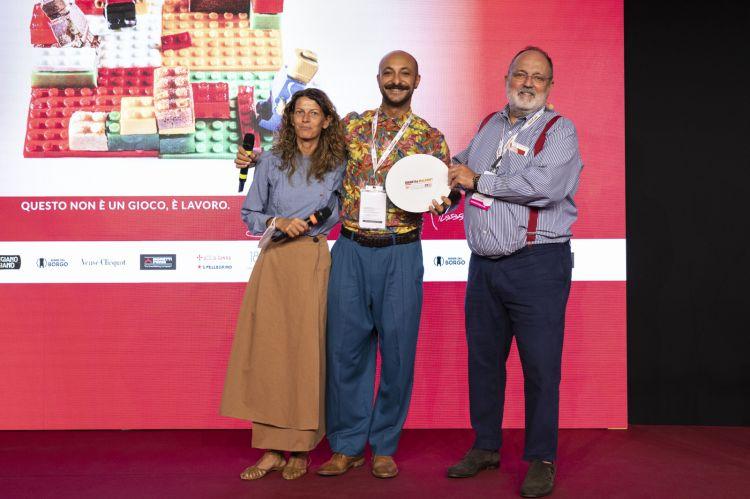 Per il premioMigliori idee greenlo chef,Diego Rossi di Trippa.Premia Katia Piazzidi Koppert Cress