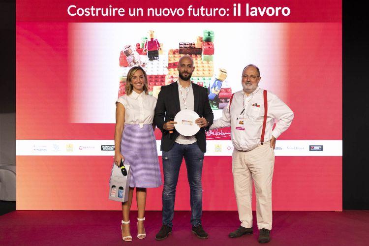 Andrea Antonini premiato da Camilla Cancellieri e Paolo Marchi